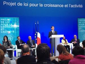 Manuel Valls a présenté mercredi 11 décembre à l'issue du Conseil des ministres à l'Elysée le projet de loi pour la Croissance et l'Activité porté par le ministre de l'Economie,