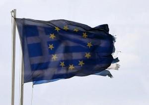 784275-les-drapeaux-europeen-et-grec-le-25-fevrier-2015-a-athenes