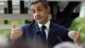 Sarkozy_sa-phrase-sur-les-migrants-provoque-colere-et-embarras